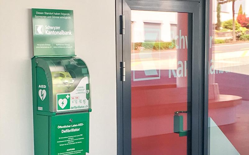 oeffentliche-Defibrillatoren-AED-Herzpraxis-Aegeri-Herzspezialist
