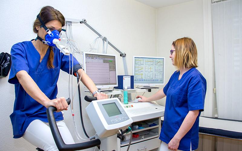 Kardiologie-Herzpraxis-Aegeri-Herzspezialist-Herzarzt-EKG